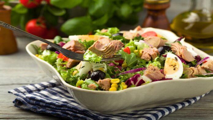 Ton Balıklı Salata Tarifi | Gaziantepetyemekleri.com