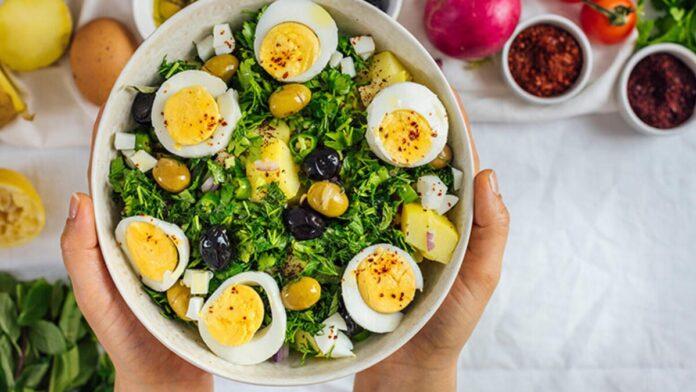 Haşlanmış Yumurtalı Salata Tarifi | gaziantepetyemekleri.com