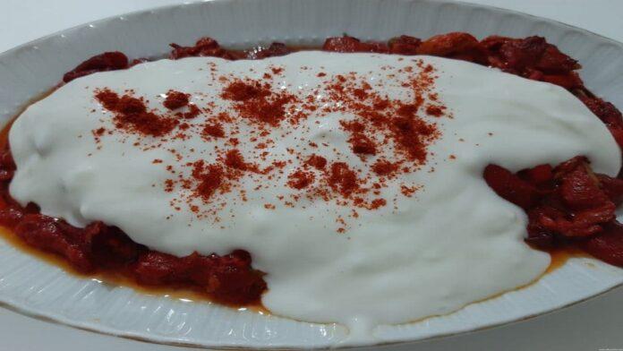 Kırmızı Biber Yoğurtlaması | gaziantepetyemekleri.com