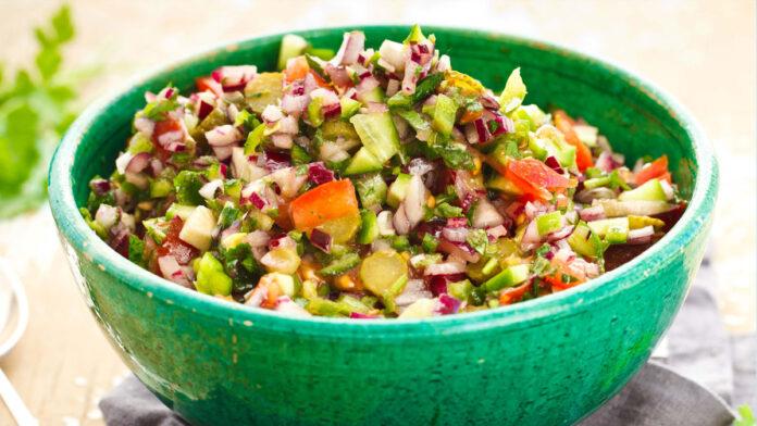 Kaşık Salatası Tarifi   Salata Tarifleri